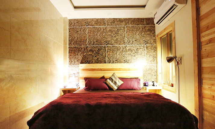 Staying In Luxury Serviced Apartment In Delhi